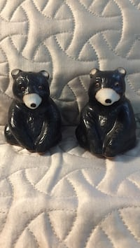 two black-and-white ceramic cat figurines Macomb, 48042