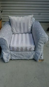 Large comfy armchair with slip cover Redondo Beach, 90278