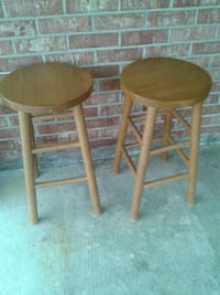 two brown wooden stools Dumfries, 22026