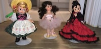 3  small collectors dolls with additional outfit Chicago, 60611