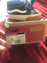 baby shoes. size 4c Victorville, 92392
