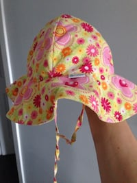 0-6 month old baby hat  Calgary, T2J 3T8