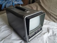 Vintage Zenith Explorer 5-Inch Portable Black and White TV with Radio and Alarm Clock 542 km