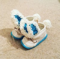 pair of blue-and-white knitted shoes Londra, W4 4HS