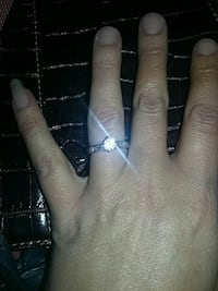 women's silver ring with diamond