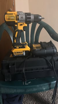 Black and yellow dewalt power tool Des Moines, 50313