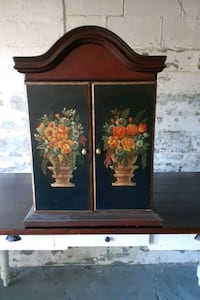 Beautiful hanging or stand alone cabinet w/3 shelfs