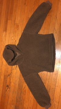 Brown fluffy slightly cropped hoodie size small super cute good condition 575 mi