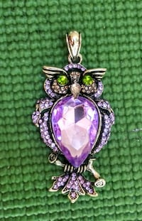 Absolutely gorgeous 2.5 in Crystal Owl pendant Colorado Springs, 80904