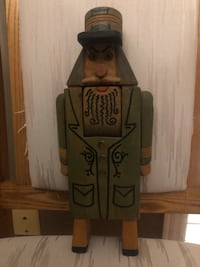 HAND CARVED SOLID WOOD NUTCRACKER North Dumfries, N0B