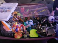 Large lot of skylanders & game perfect for Christmas London, N5W 1X9