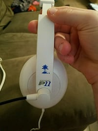 White turtle beach P11 Holiday