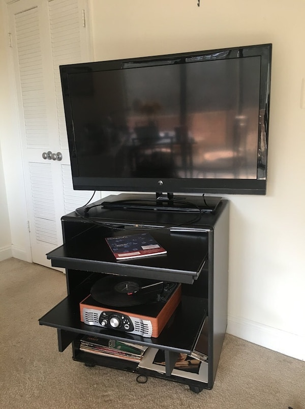 TV (Westinghouse) 40 inches