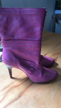 Size 6 hot pink boots- worn 2 times Toronto, M4C 5J7