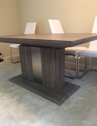 Rooms to Go Dining Table & 4 Chairs 517 mi