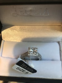 silver-colored Jeulia ring with clear gemstones Scott, 70583