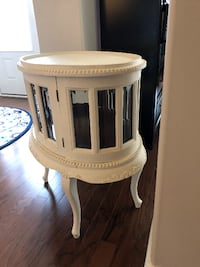 Victorian Style Antique Serving Table Meridianville