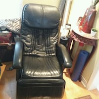 Black leather massage chair  Mississauga, L5N 6N8