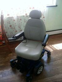 2011 jazzy select 6 wheelchair Bridgeport