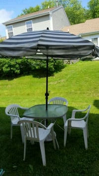 Patio table with 4 chairs Island Lake