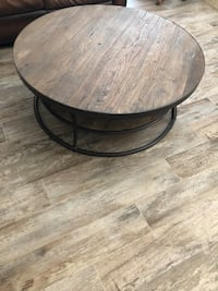 round black wooden coffee table San Clemente, 92672