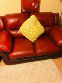 red leather 2-seat sofa Laval