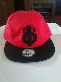 black and red fitted cap Grand Island, 68801