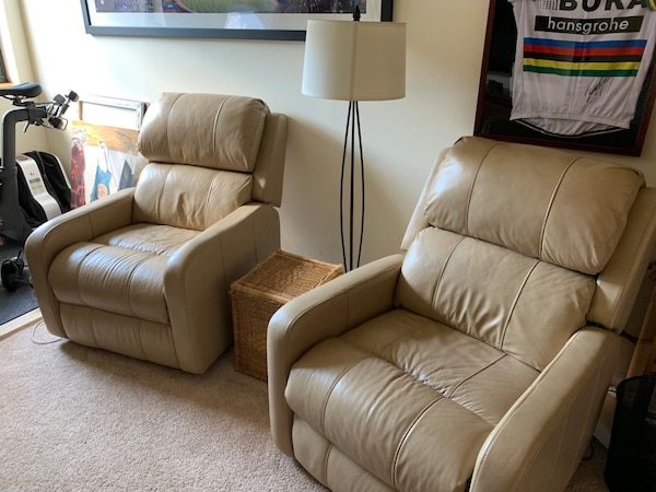 Leather power recliner chairs 2x