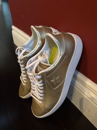 Light gold Converse leather sneaker