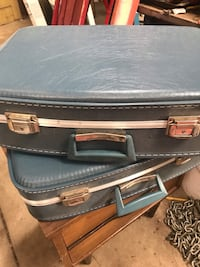 Pair of vintage suite cases Boulder, 80303