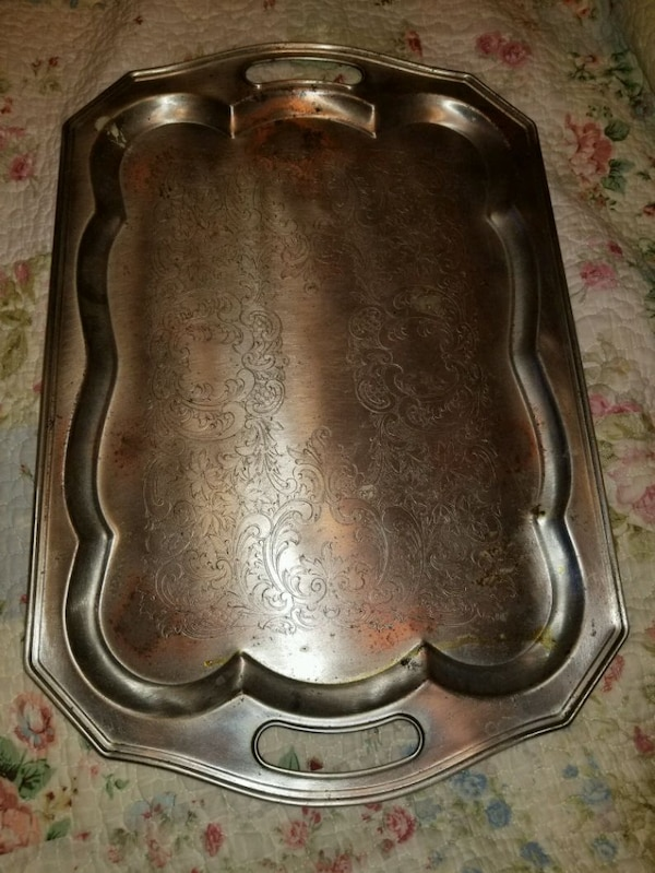Vintage Silver tone metal etched serving tray 86d652c6-3612-46b1-b33c-8315a6594a7f