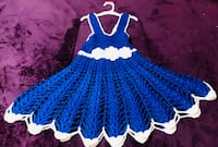 blue and white knitted textile