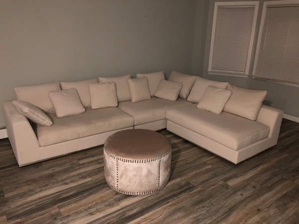 Modani Contemporary Sectional Sofa