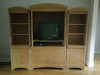 Entertainment center with tv Ashland City, 37015