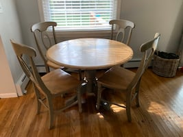 Boston Interiors pedestal table & chairs