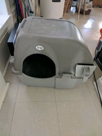 Omega Paw Elite Self Cleaning Roll 'n Clean Litter Toronto, M5T 1P2