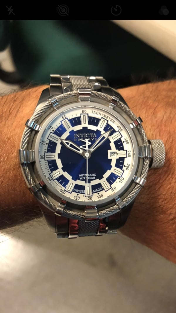 Invicta SWISS MADE AUTOMATIC from the reserve coll 9e2729d8-ad7a-4e21-bf1a-56046ee80552