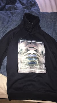 H&M hoodie  St Catharines, L2S 4A6