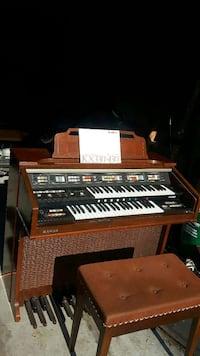 brown and black hammond organ piano Burlington, L7M 1V6