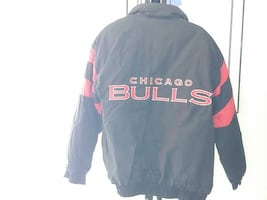 CHICAGO BULLS HEAVY JACKET-LARGE