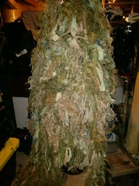 Ghillie suit for airsoft paintball hunting Mississauga, L4W 3X6