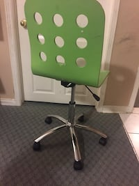 green and gray rolling chair Markham, L3S 3V9