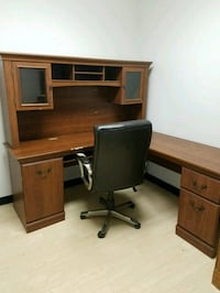 Free L-unit desk Sarasota, 34239