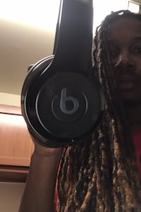 Bluetooth  Beats solo head phones New Carrollton, 20784