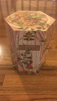 Enchantmints Treasure Tower Fairy Collection with music Reston