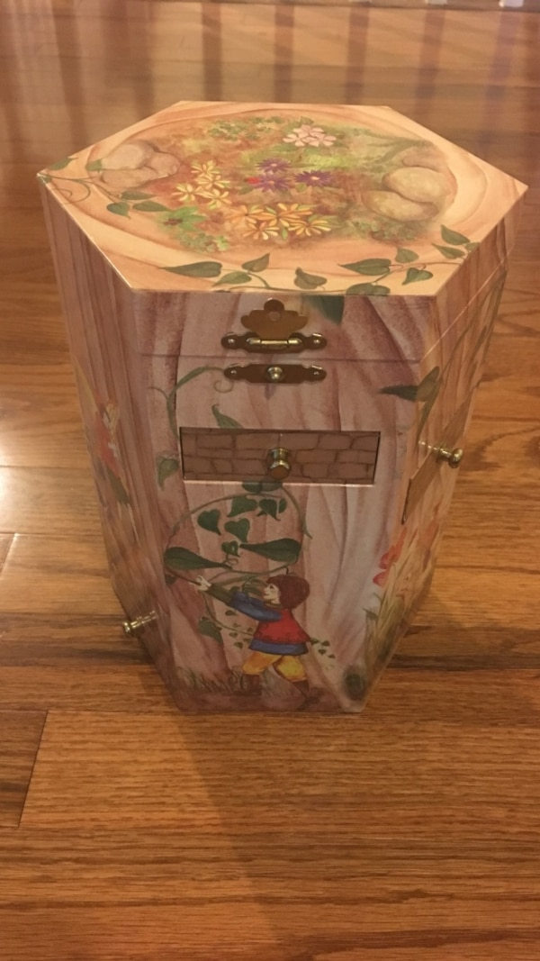 Enchantmints Treasure Tower Fairy Collection with music