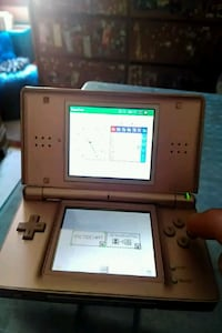 Nintendo DS Lite with pen New Bedford, 02740