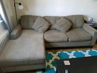 Couch with chaise lounge Yonkers, 10704