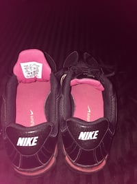 pair of black Nike basketball shoes Peterborough, K9H 3E8