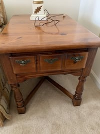 End table Red Lion, 17356